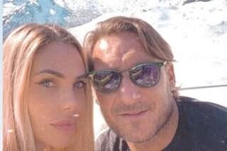 Amore sulla neve per Ilary Blasi e Francesco Totti, la coppia è in vacanza a Madonna di Campiglio