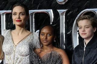 """Angelina Jolie svela: """"Due mie figlie sono state operate, si sono prese cura l'una dell'altra"""""""