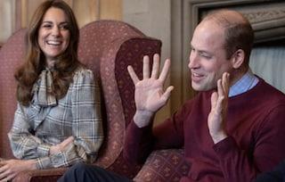"""William e Kate, battuta di cattivo gusto: """"Siamo qui per diffondere il Coronavirus"""""""