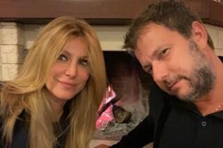 """Adriana Volpe e il marito distanti ma non si sarebbero lasciati: """"Momento di sofferenza"""""""
