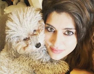 """Elisa Isoardi: """"Sono single, trascorro questi giorni con mia zia e il mio cane"""""""
