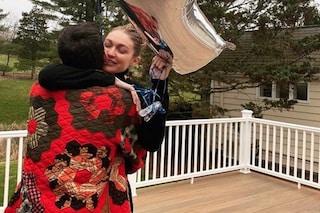 """Gigi Hadid ha festeggiato """"il più dolce dei compleanni"""" assieme a Zayn Malik e alla sua famiglia"""