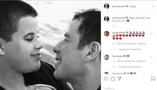 """John Travolta ricorda il figlio Jetty, avrebbe compiuto 28 anni: """"Buon compleanno, ti amiamo"""""""