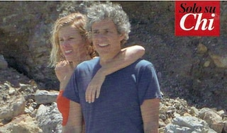 Alessia Marcuzzi e Paolo Calabresi Marconi insieme al mare: la crisi non c'è mai stata