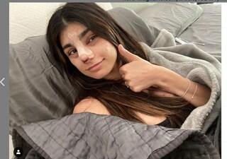 """Naso nuovo per Mia Khalifa: """"Anche le mie tette sono finte, non idealizzate le donne sui social"""""""