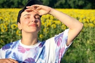"""Arisa incorreggibile: """"Rutto, scoreggio e amo il sole!"""""""