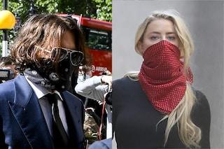 """Johnny Depp contro Amber Heard: """"Mi ha rotto un dito e mi ha spento una sigaretta sulla guancia"""""""