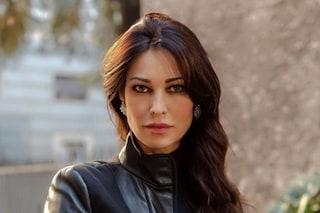 """Manuela Arcuri torna sul set: """"Il mio compagno vorrebbe un altro figlio, ma ora penso al mio lavoro"""""""