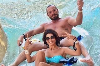 """Samantha Togni, la vacanza a Dubai col marito tra relax e imprevisti: """"È stato punto una medusa"""""""