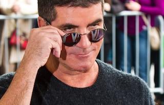 Simon Cowell, ideatore dei One Direction, si è fratturato la schiena cadendo dalla bicicletta