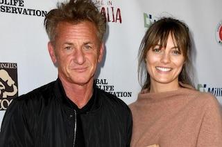 Sean Penn ha sposato Leila George, di 32 anni più giovane: ha l'età della figlia del divo