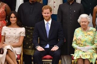 """""""Harry e Meghan tentano di riavvicinarsi alla regina, hanno capito che la popolarità non basta"""""""