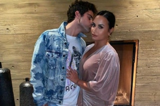 Demi Lovato e Max Ehrich si sono lasciati, la pop star ha annullato il suo matrimonio
