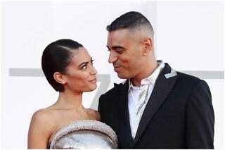 Elodie e Marracash sono la coppia del momento: il loro amore è vincente sul red carpet di Venezia