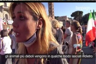 """Daniela Martani dice no al vaccino Covid: """"Immunodepressi? In natura i più deboli restano indietro"""""""