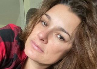 """Alena Seredova ancora positiva al Covid: """"Non vedo mia figlia da 15 giorni"""""""