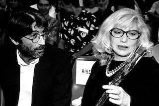 """Monica Vitti ha una malattia che le ha """"sbriciolato la memoria"""", il marito: """"Parliamo con gli occhi"""""""