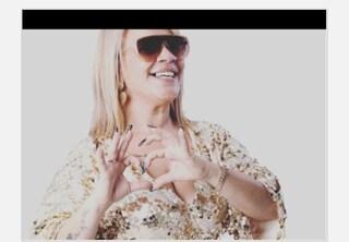 Angela da Mondello fa una canzone anti Covid mentre il sindaco di Palermo annuncia una strage