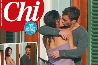 La prima foto del bacio tra Belén Rodriguez e Antonino Spinalbese, pizzicati durante la fuga d'amore