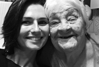 Lutto per Anna Safroncik, è morta la nonna: la dedica dolcissima
