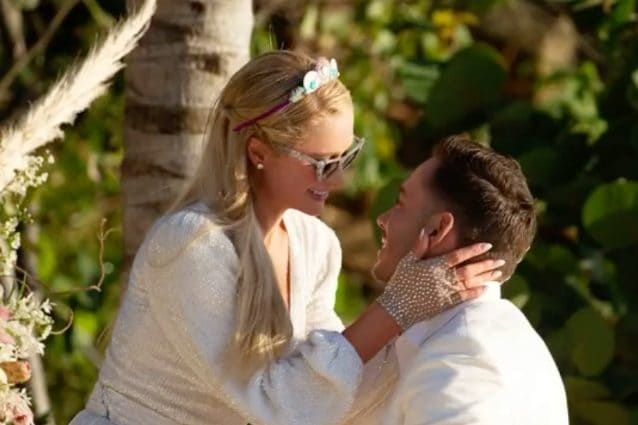 """""""Paris Hilton è incinta"""", l'ereditiera sarebbe in attesa del primo figlio con Carter Reum"""