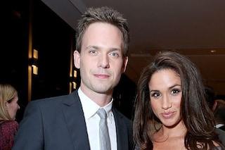 """Patrick J.Adams, Mike di Suits, difende Meghan Markle: """"È osceno cosa le ha fatto la famiglia reale"""""""