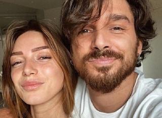 """Andrea Cerioli all'Isola dei Famosi, Arianna Cirrincione avverte: """"Giù le mani dal mio boy"""""""