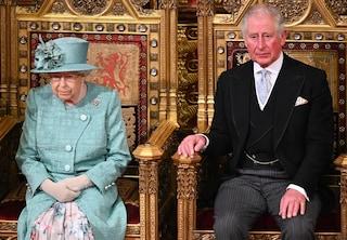 Il principe Carlo sta per diventare Re, ma la Regina non abdicherà: ecco cosa sta succedendo