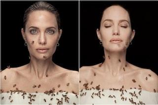 Angelina Jolie coperta di api vere per denunciarne l'estinzione, come hanno scattato le foto