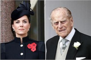 """Kate Middleton eredita il ruolo del principe Filippo: """"È il collante che unisce la Royal Family"""""""