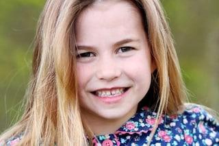 La principessa Charlotte compie 6 anni, a scattare la foto scelta dai Reali è mamma Kate Middleton