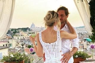 L'anniversario di Ilary Blasi e Francesco Totti, le foto della cena romantica per i 16 anni insieme