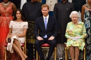 La regina invita Harry a palazzo per un pranzo ma esclude Meghan Markle dall'invito