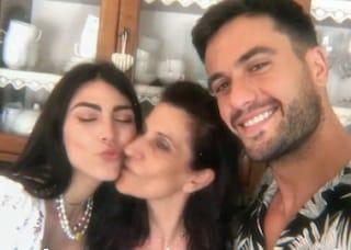 Giulia Salemi e Pretelli dalla famiglia di Luana D'Orazio per la raccolta fondi a lei dedicata