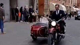 """Luca Argentero e Cristina Marino si sono sposati, fuga in sidecar dopo il """"sì"""""""