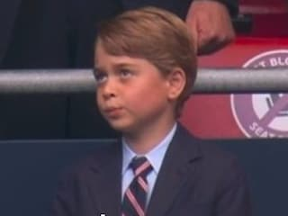 L'incontenibile entusiasmo di Baby George durante la partita Inghilterra-Germania