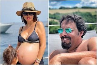 """Flora Canto incinta: """"Farò un parto cesareo"""", la dedica di Enrico Brignano"""