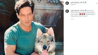 """Gabriel Garko piange la morte del suo cane: """"Grazie per le emozioni che mi hai donato"""""""