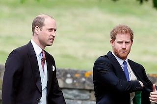 """William contro Harry, l'accusa: """"Ha detto che suo fratello aveva problemi di salute mentale"""""""