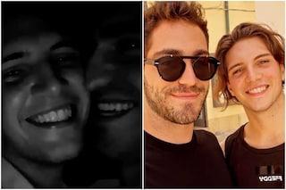 Il (quasi) bacio tra Tommaso Zorzi e Tommaso Stanzani, i due insieme in Puglia per Battiti Live