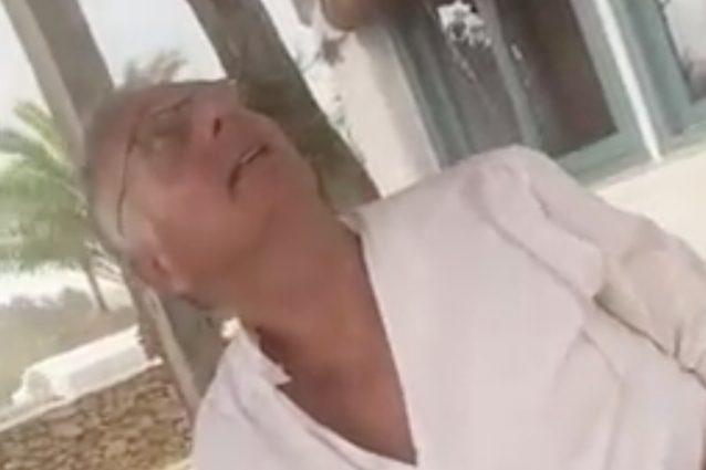 """Paolo Bonolis e la vacanza bagnata a Formentera, lo sorprende un acquazzone: """"Por*a tr**a"""""""