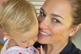 Alena Seredova con la figlia Vivienne Charlotte, le nuove foto sono dolcissime