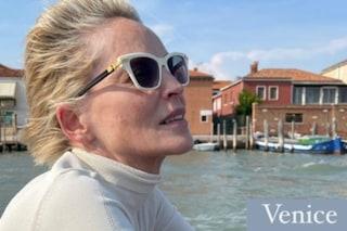 Sharon Stone in vacanza a Venezia si gode la fine dell'estate italiana