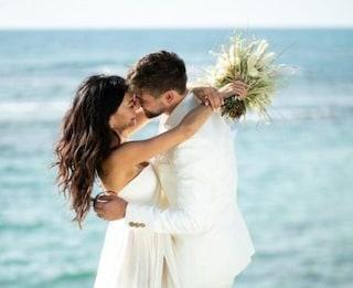 Il matrimonio di Inbar Lavi, la Eve di Lucifer: le nozze in spiaggia con Dan Bar Shira