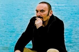 """""""Grazie per aver ricordato Mango"""", la rete applaude Gigi D'Alessio"""