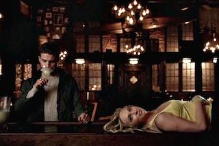 The Vampire Diaries 6x16, la spirale discendente di Caroline e Stefan (VIDEO)