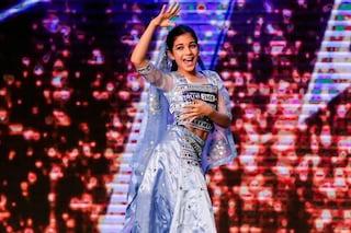 Amber, 10 anni di origini indiane, conquista Italia's Got Talent con Bollywood e Jackson