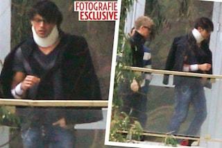 Le foto di Gabriel Garko ferito dopo l'esplosione della villa, con collare e fasciature