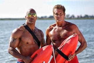 David Hasselhoff sul set di Baywatch, Mitch è ancora in forma smagliante
