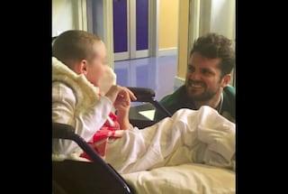 Frank Matano visita a sorpresa una bambina malata in ospedale